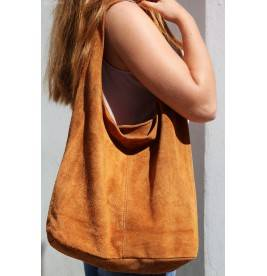 zamszowa torebka skórzana na ramię z saszetką camelowa N88