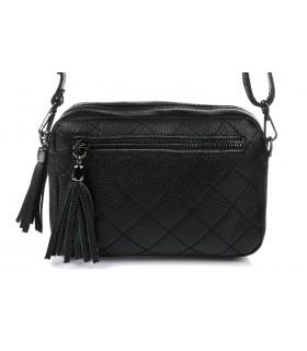 Czarna torebka damska listonoszka skórzana pikowana frędzel C75