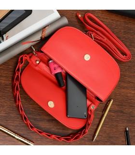 Czerwona Torebka gładka pasek gumowy usztywniana podkówka Z41